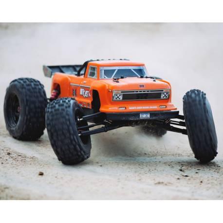 Arrma Automodello Outcast Stunt Truck 1/8 4WD 6S BLX Brushless RTR Orange (art. ARA106042T2)