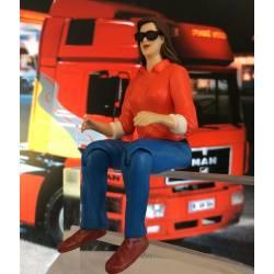 Robbe Pilota figura femminile con occhiali seduta altezza 90mm scala 1/14 (art. 5209)