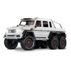 Traxxas Automodello TRX-6 Mercedes-Benz G 63 AMG 6x6 Trail Crawler con Kit Luci Bianco (art. TXX88096-4-WHT)
