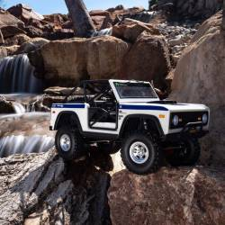 Axial Automodello SCX10 III Early Ford Bronco 4WD RTR scala 1/10 Bianco (art. AXI03014T2)