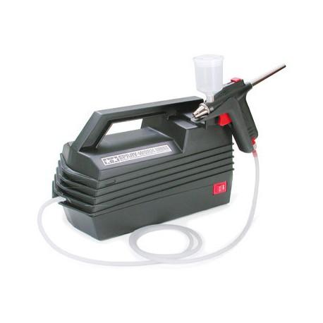 Tamiya Compressore Spray Work Basic con aerografo (art. 74520)